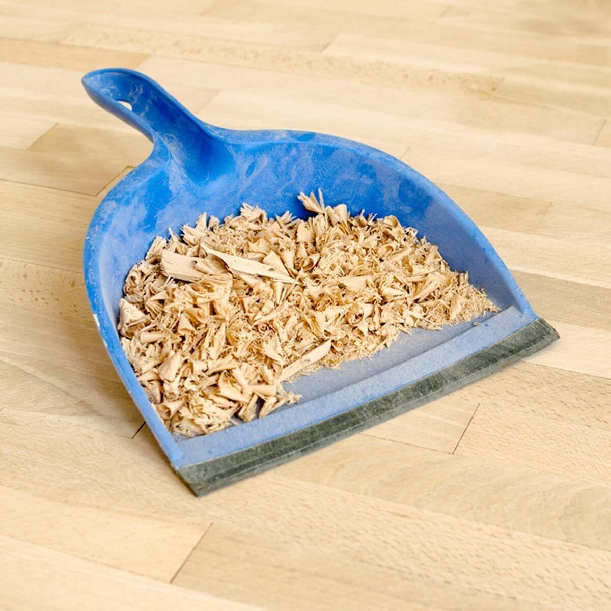 Dirty Dust Pan Wood Shavings saw dust