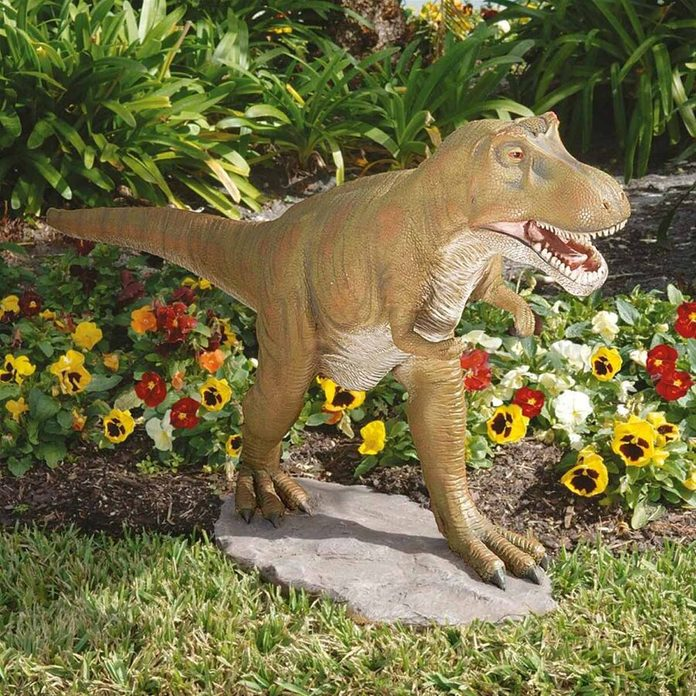 plastic tacky lawn ornaments