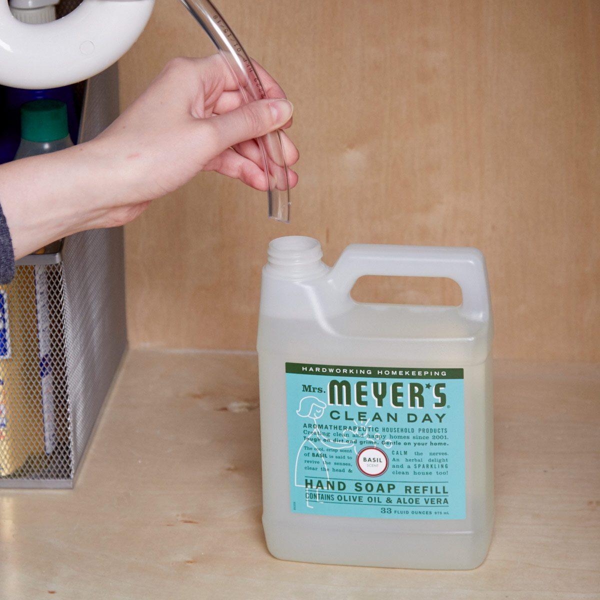 HH kitchen soap dispenser