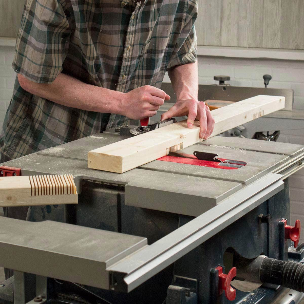 Adjustable Sawhorse Half Lap Joints