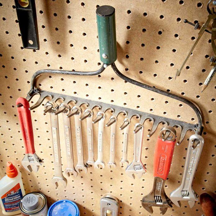 garden rake tool storage