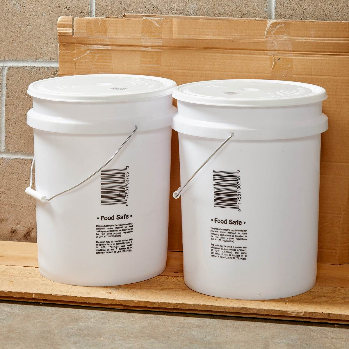 plastic water pails 5 gallon bucket