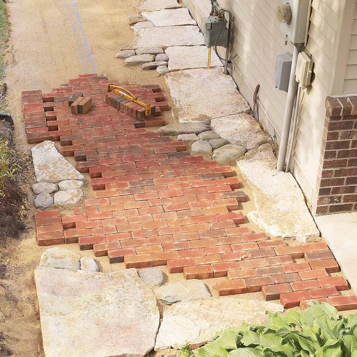 FH04MAR_05042_024-1200 brick and stone pathway