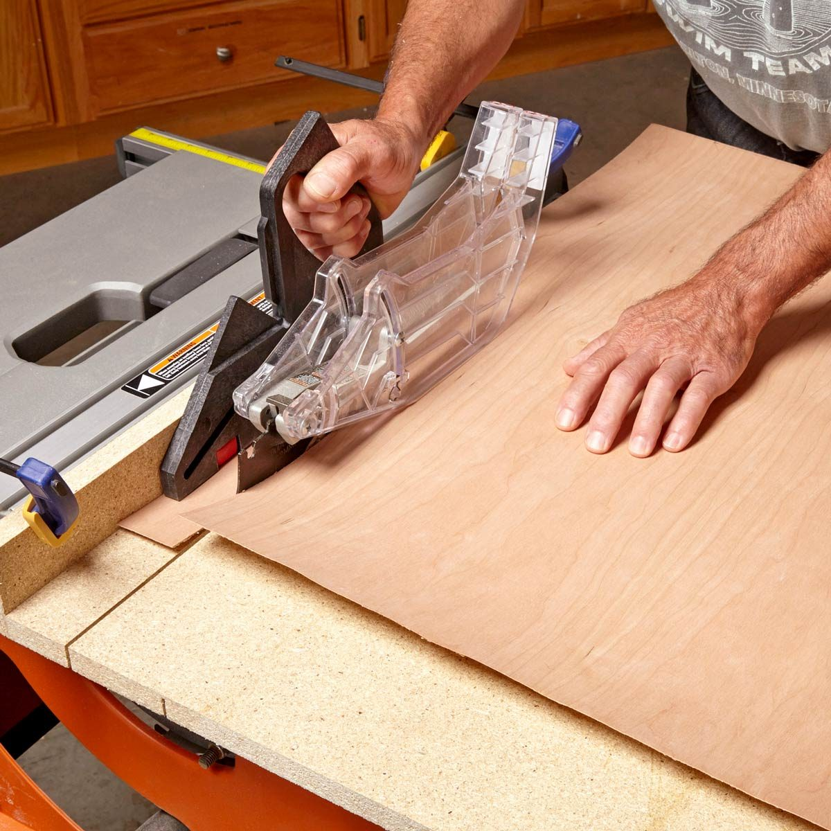 cut veneer with table saw