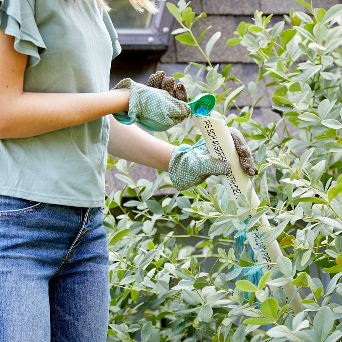 HH Handy Hint fertilize dense plants PVC Pipes