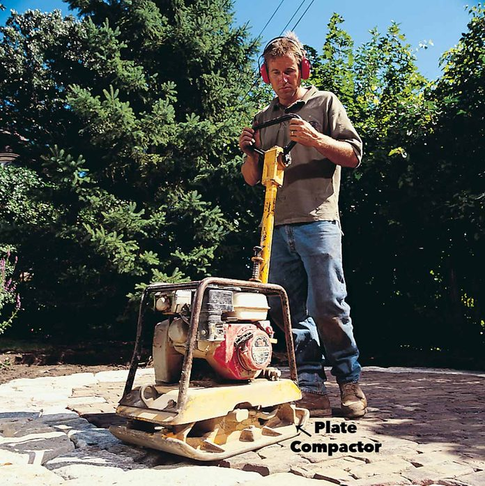 tamp the patio plate compactor