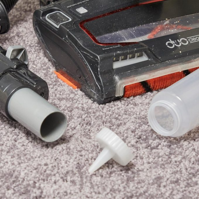 HH Handy hint vacuum cleaner spot hack hard to reach spots