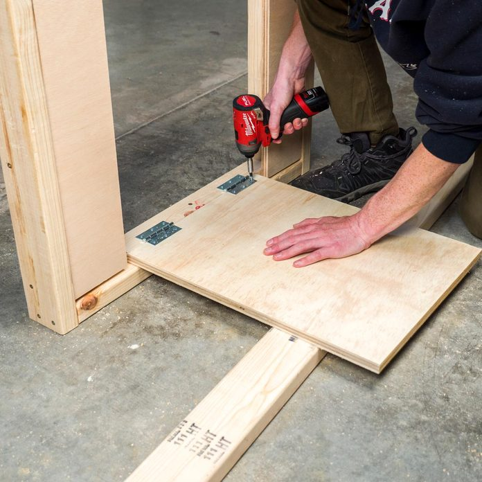 Folding Mobile Workbench 4