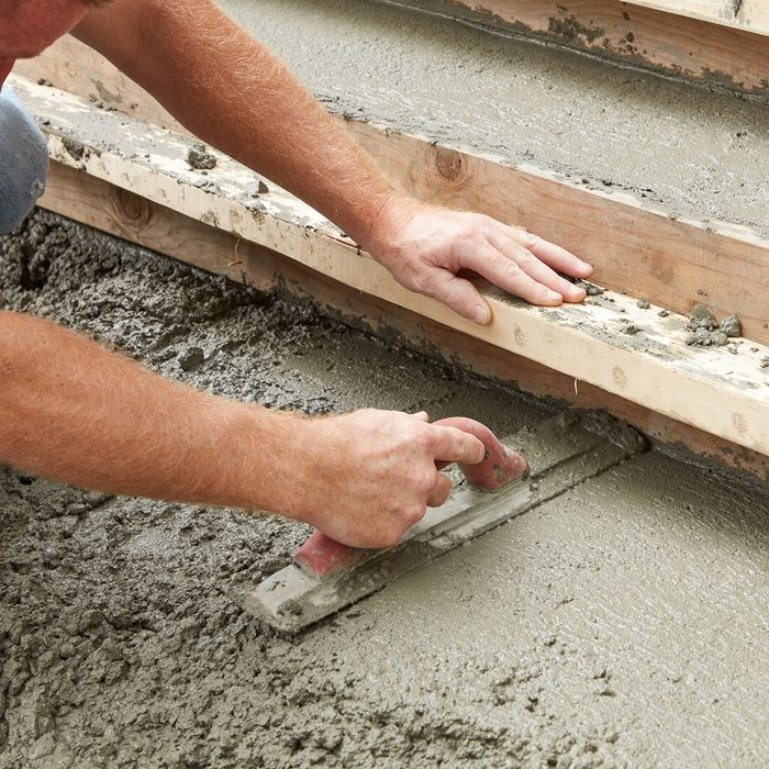 Hand floating the steps   Construction Pro Tips