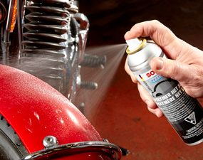 how to clean a motorcycle apply paint sealant