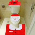 Holiday Bathroom Decor You Have to See to Believe