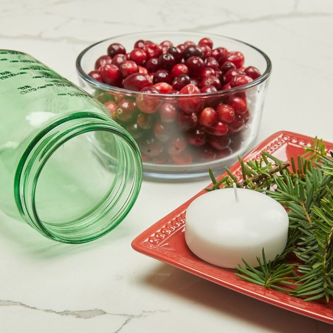 HH handy hint holiday jars illuminated cranberries mason jar candle