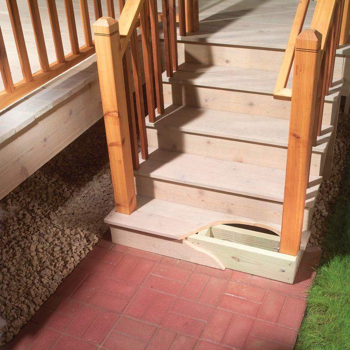 Loose outdoor railings