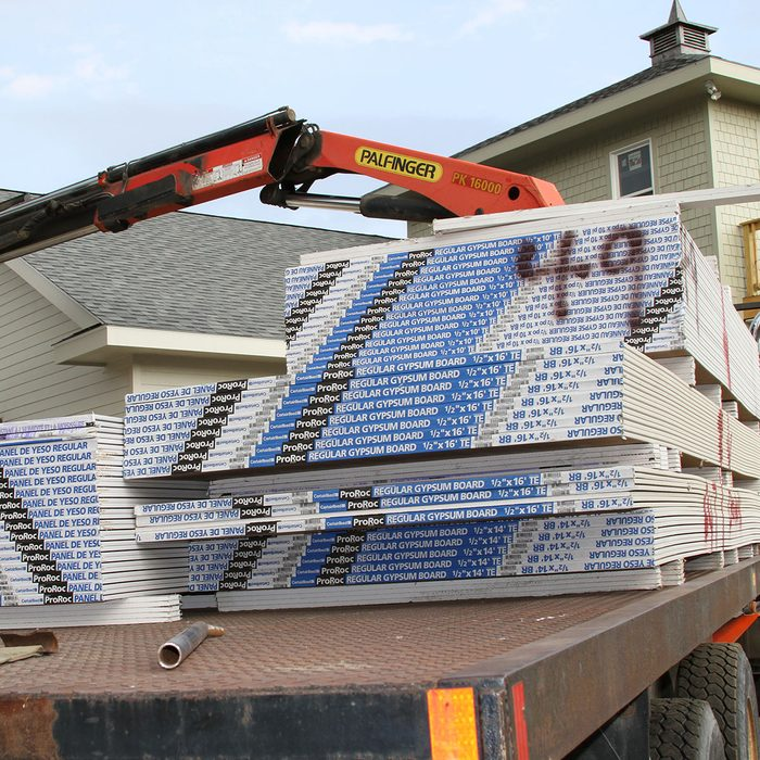 Drywall laying flat on a truck bed   Construction Pro Tips