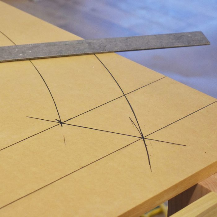 Connecting the intersecting points with a straightedge | Construction Pro Tips