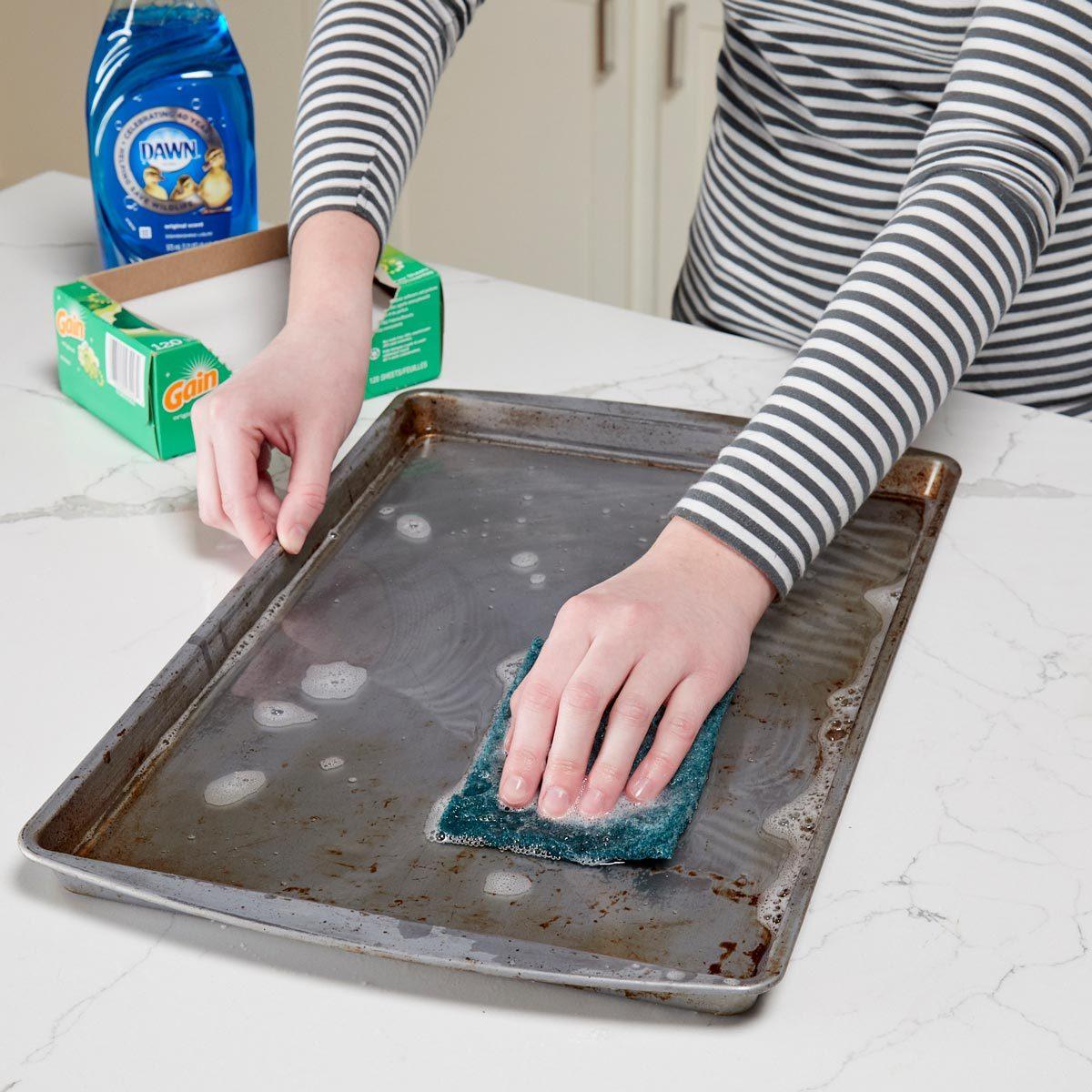 HH Scrub burnt pan clean