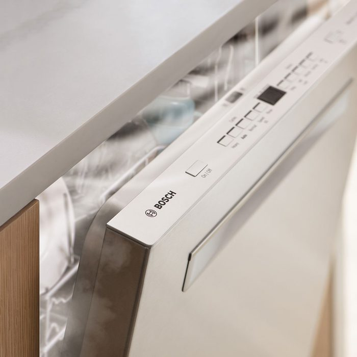 Bosch dishwasher with fast-dry technology | Construction Pro Tips