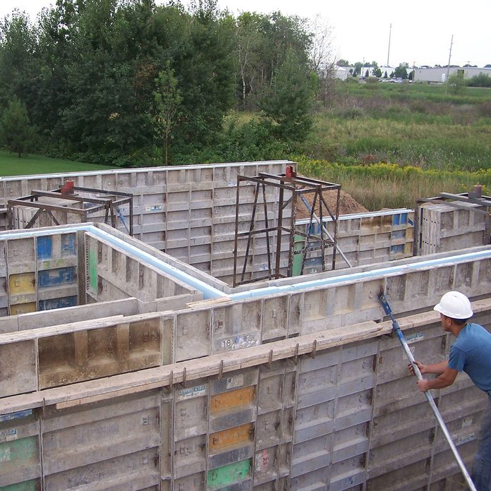 Setting up the frames for thermomass foundations | Construction Pro Tips
