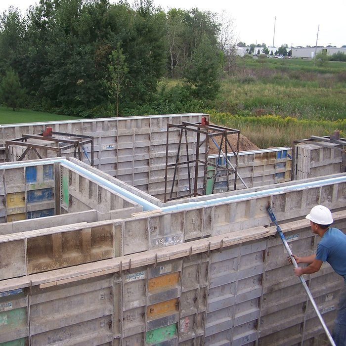 Setting up the frames for thermomass foundations   Construction Pro Tips