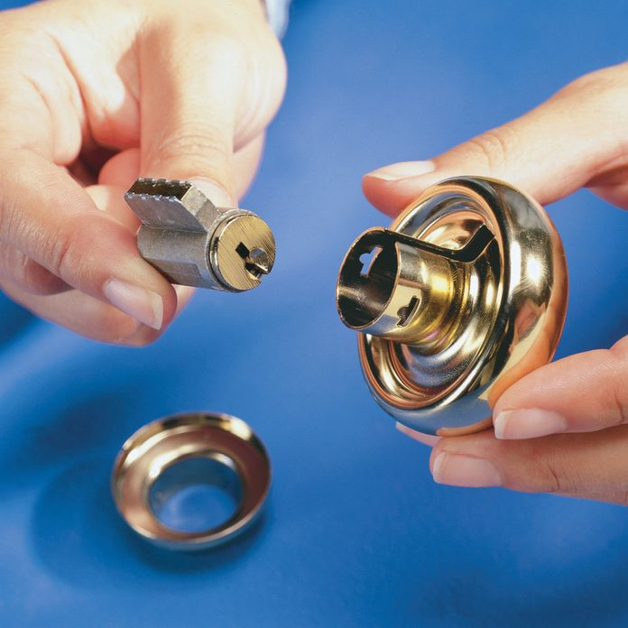rekey a door remove old knob