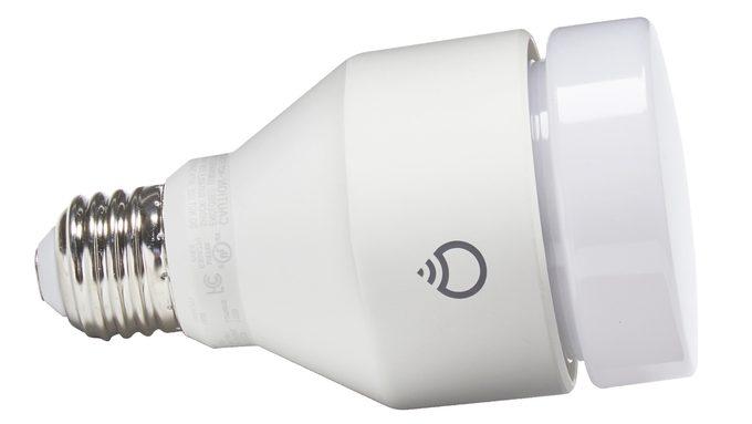 smart LED lightbulb multicolor
