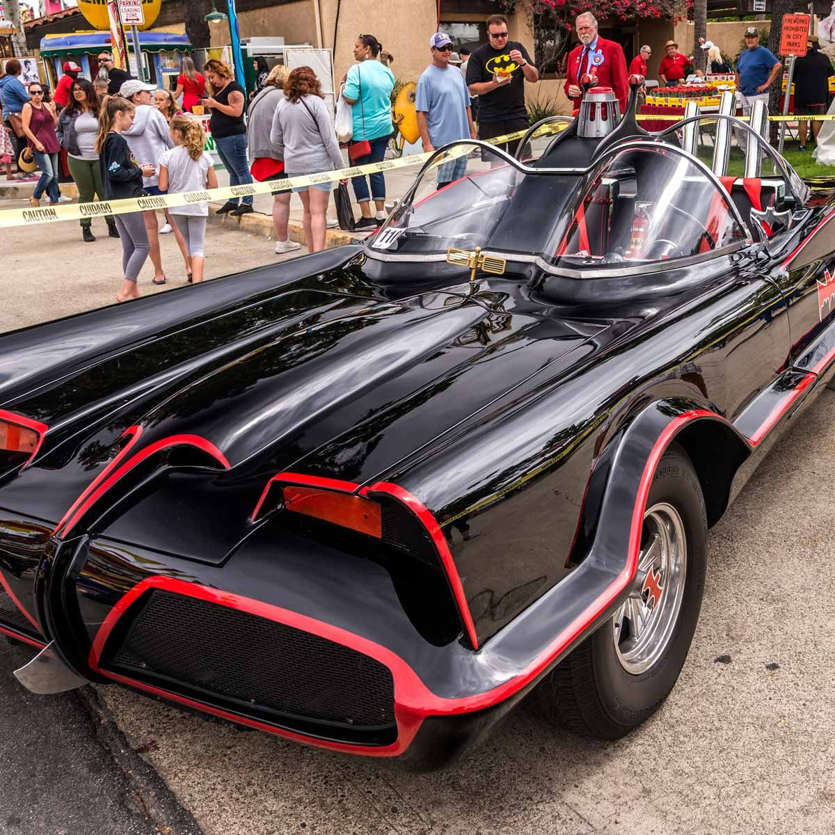 Batmobile-1955-Lincoln-Futura