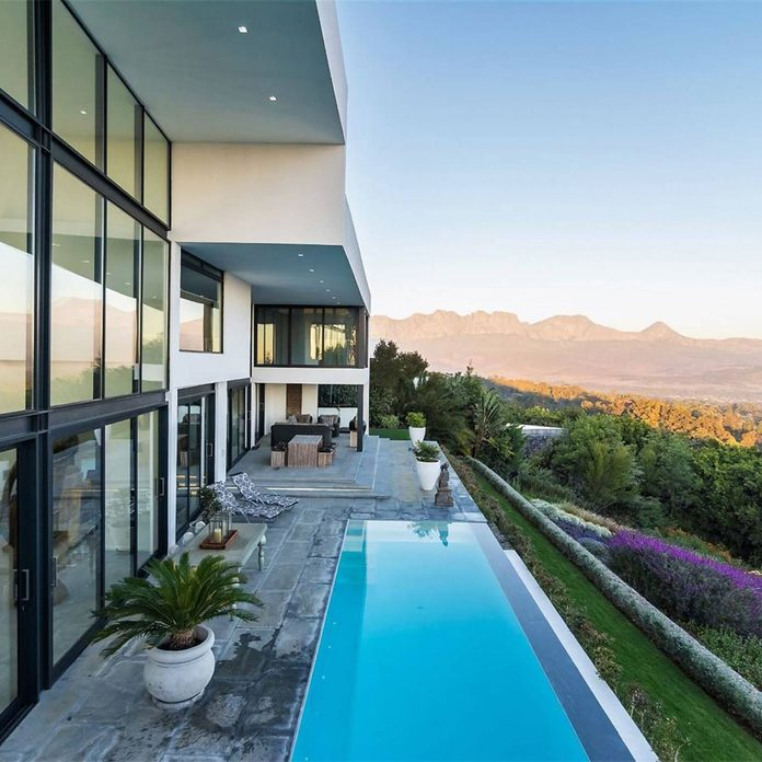 South Africa mansion with mountains in the background