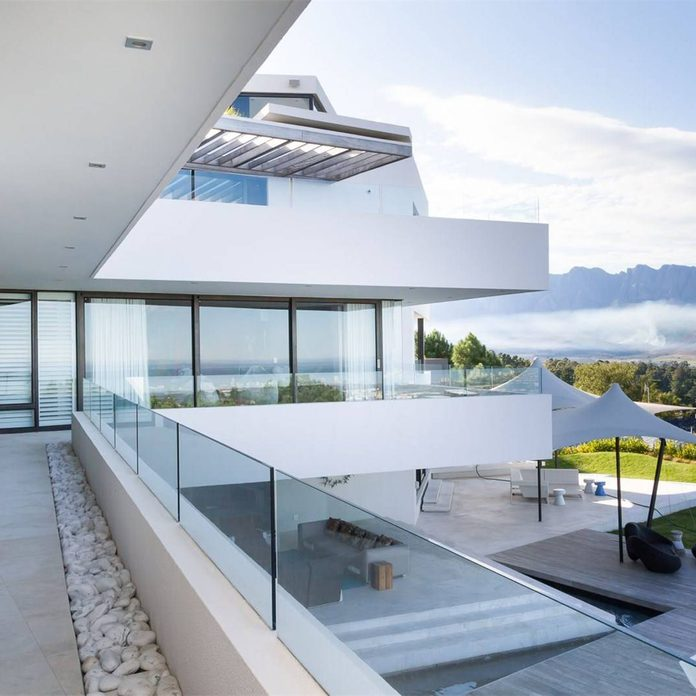 Mansion with mountains in the background in South Africa