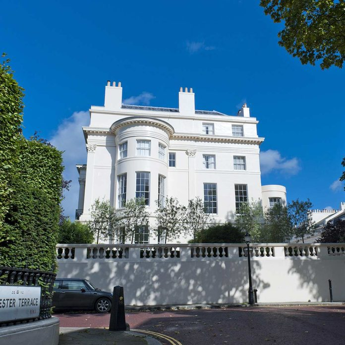 Neoclassical mansion, Cumberland Terrace, London England