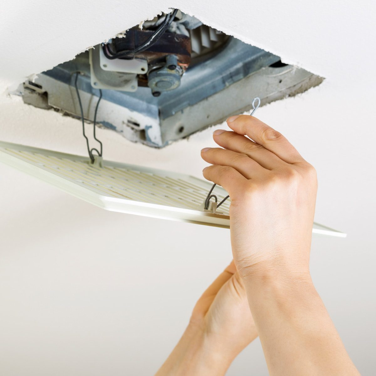 how to clean a bathroom exhaust fan