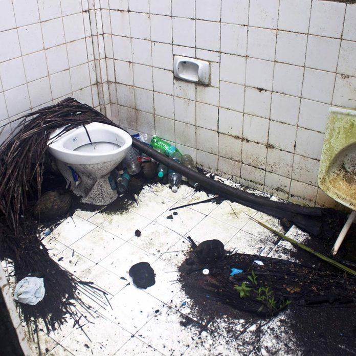Broken-Toilet