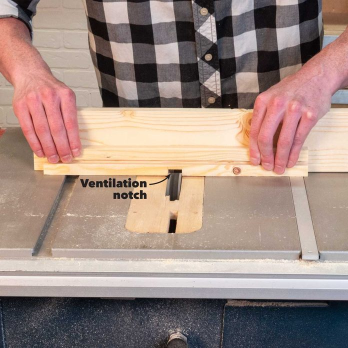 bee hive inner cover cut ventilation notch