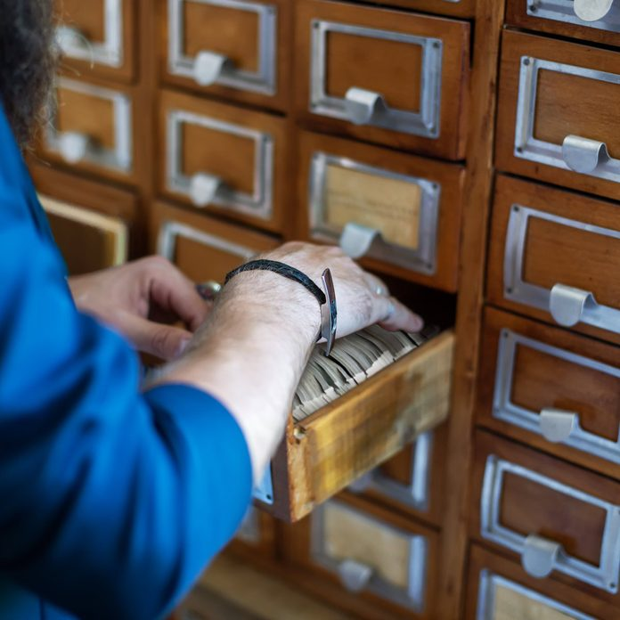 Old-school-library-index-cards