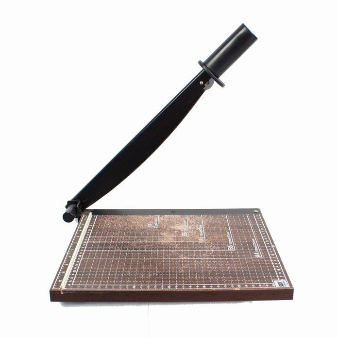 Paper-cutter