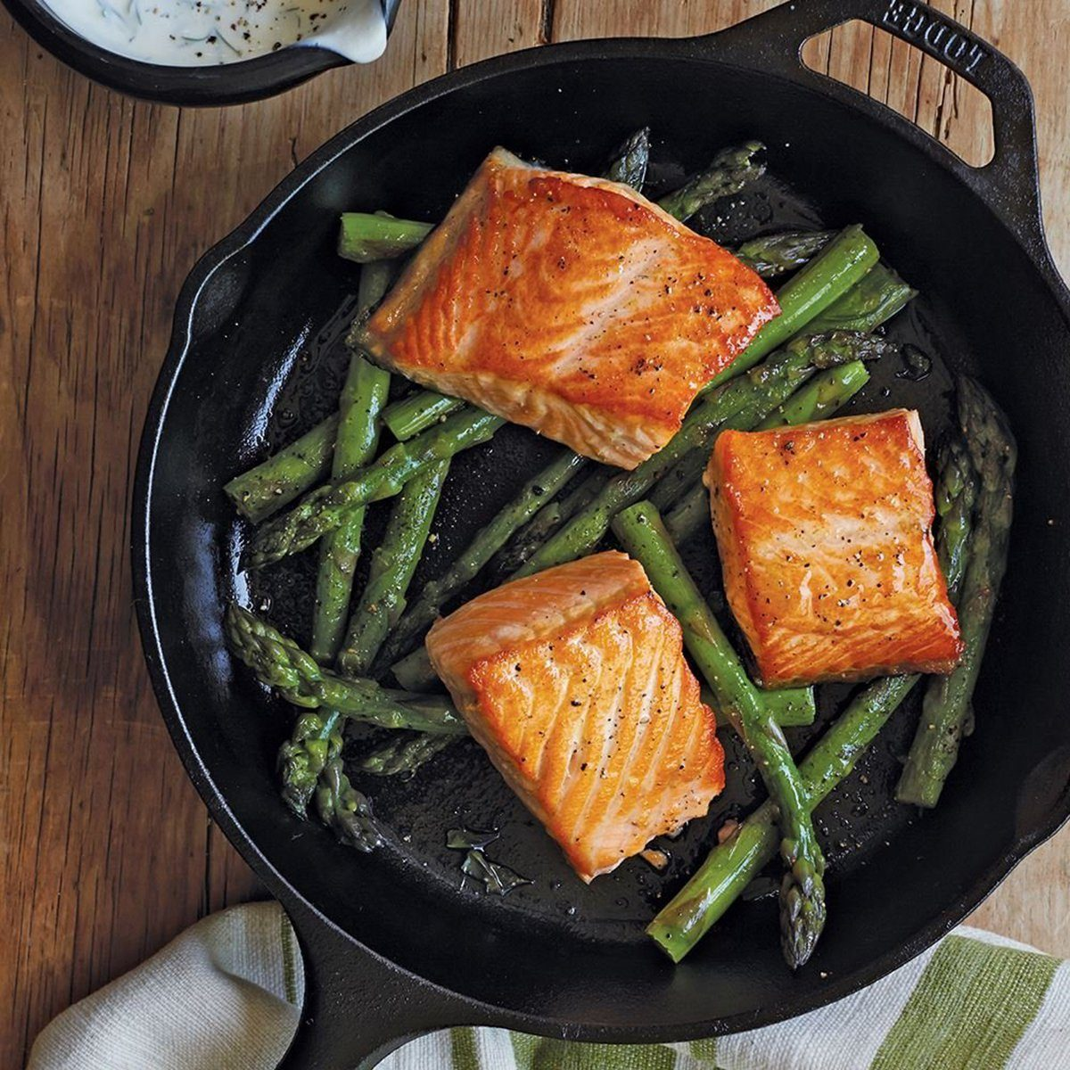 Lodge 10.25 Inch Cast Iron Skillet. Pre-Seasoned Cast Iron Skillet Pan for Stovetop of Oven Use