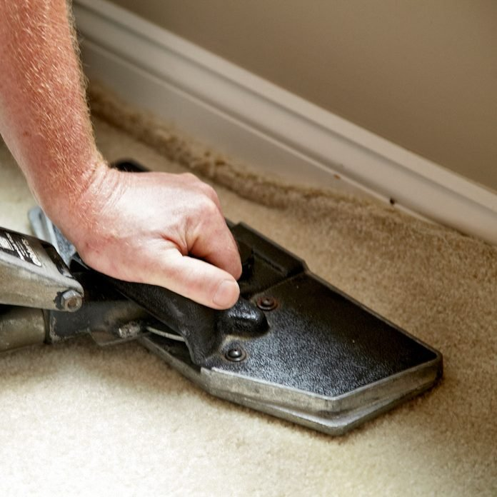 how to remove wrinkles from carpet