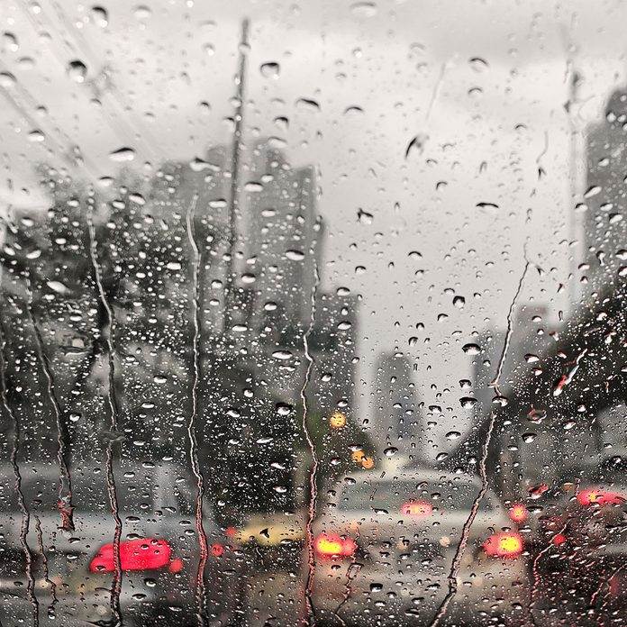 rainy day weather traffic