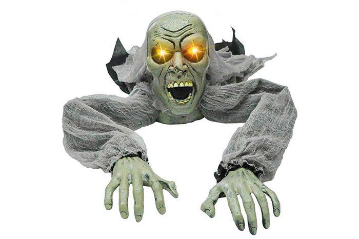 09_An-alarming-zombi