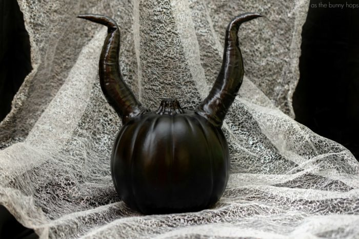 Maleficent-Horn-Pumpkin-700x467.jpg
