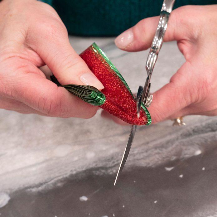 cut bow cinch