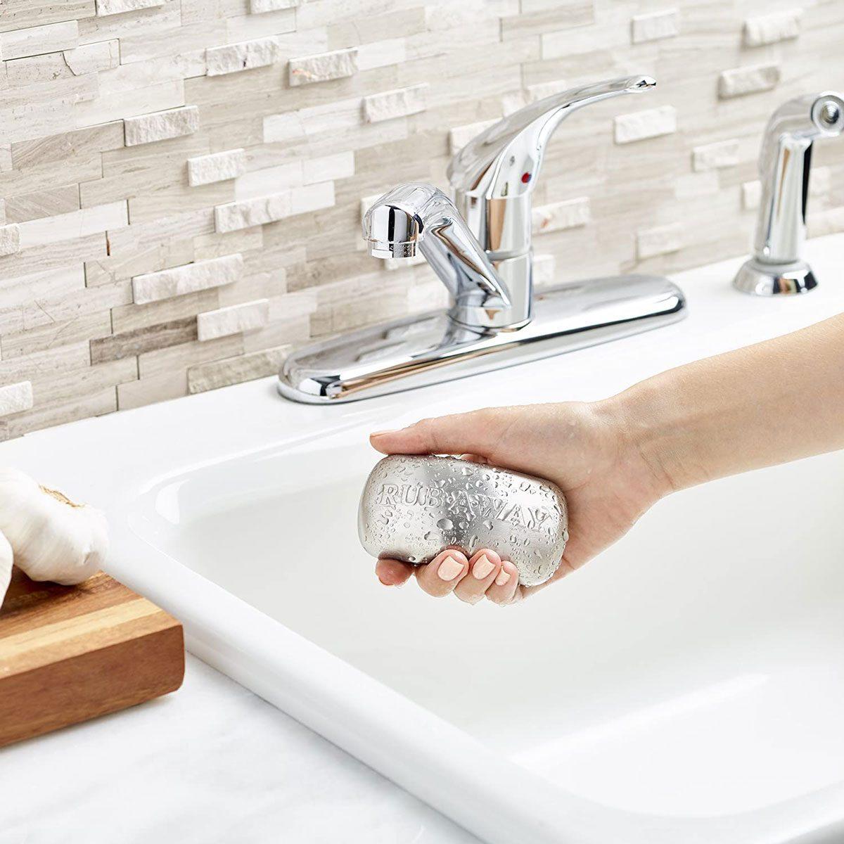 Metal soap bar