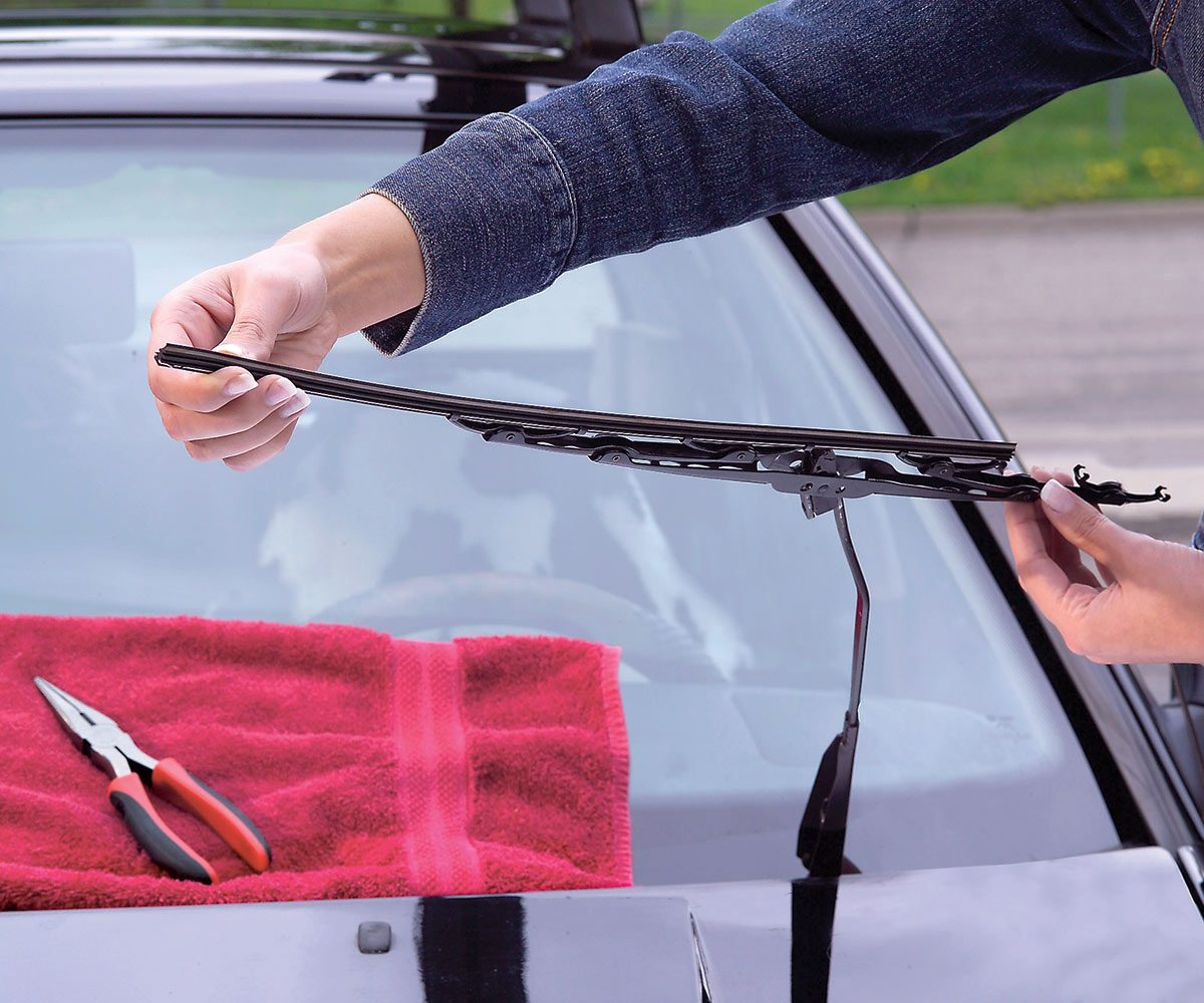 how to replace wiper blades