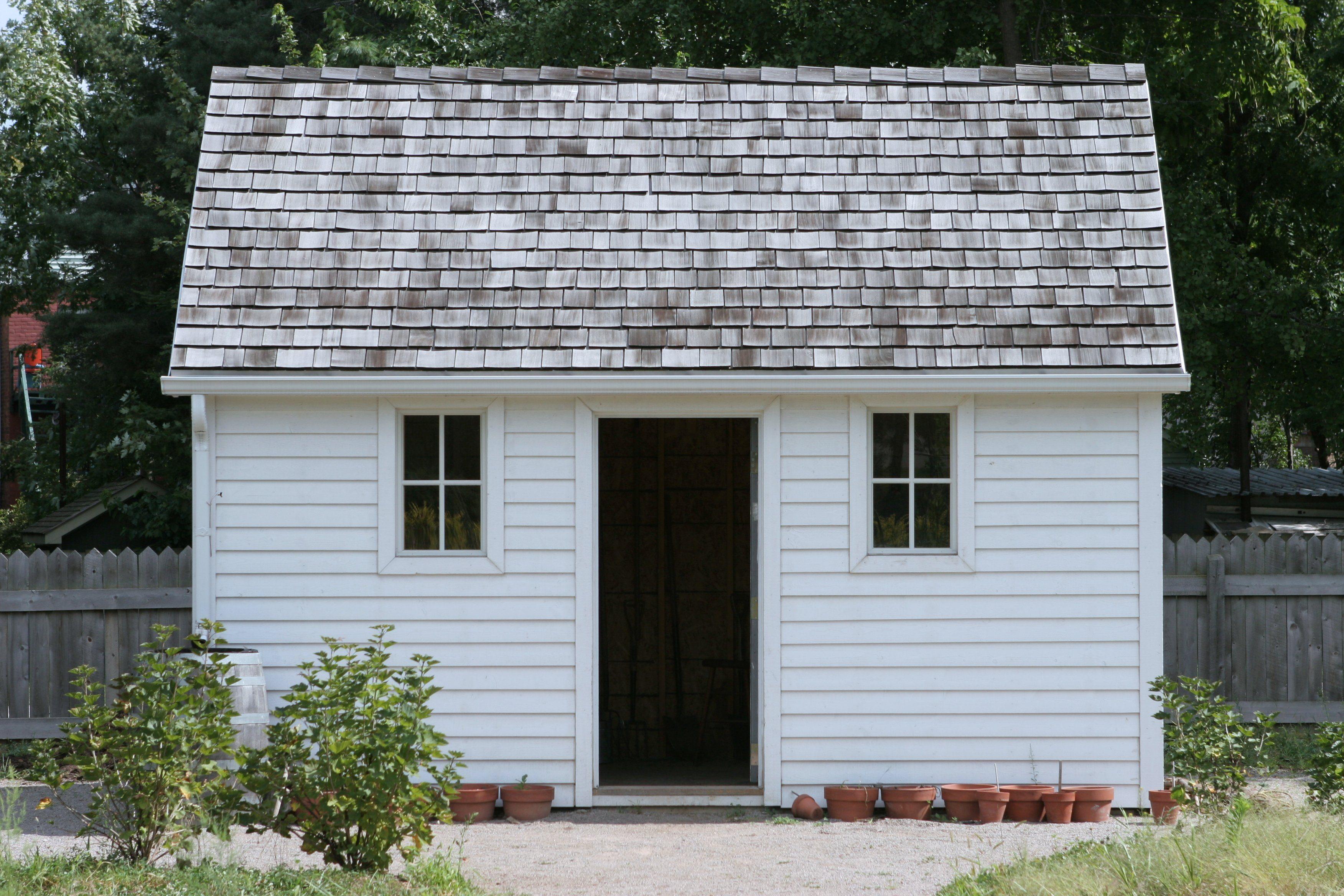 Small white house; Shutterstock ID 1741867; Job (TFH, TOH, RD, BNB, CWM, CM): RD