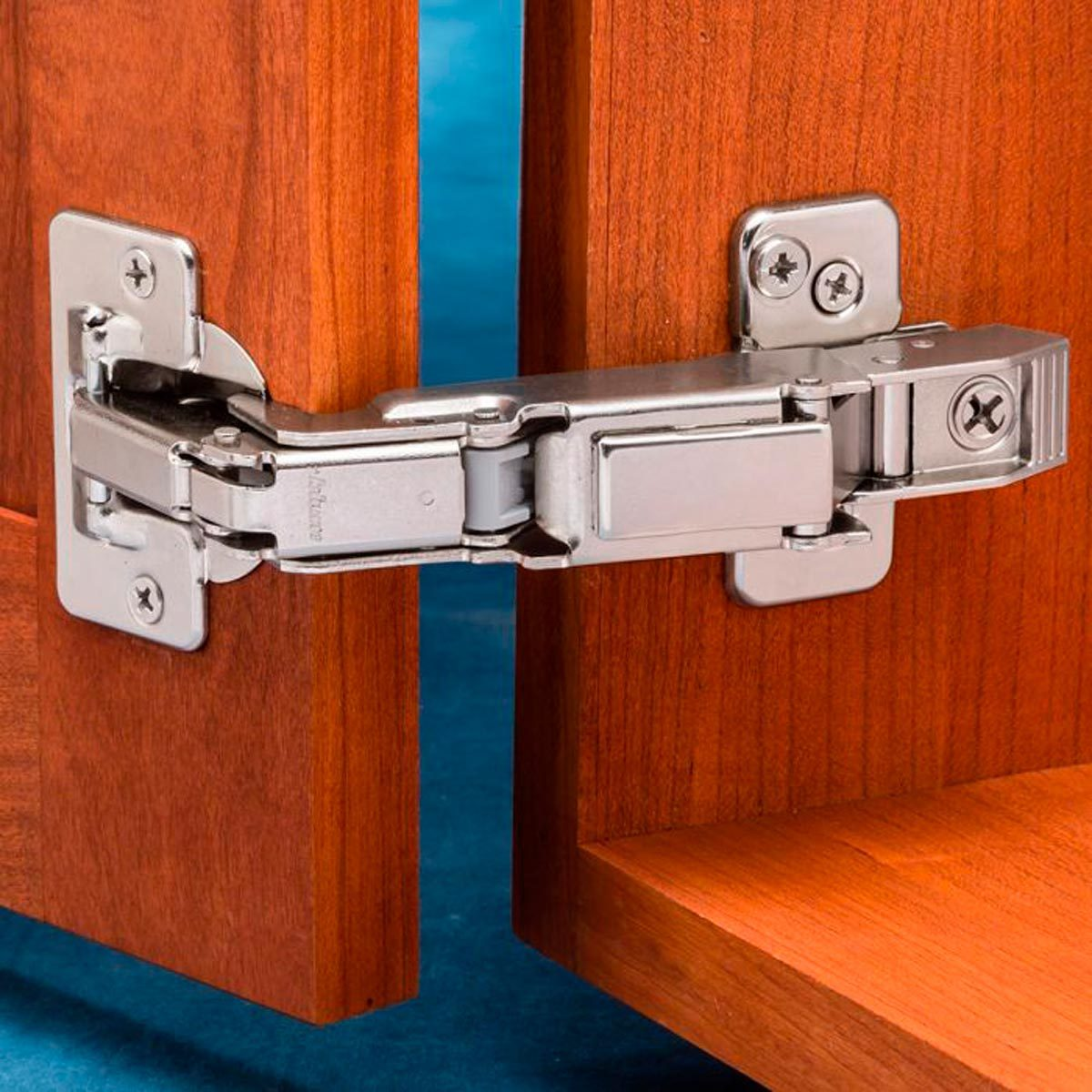 Full-overlay-concealed-hinge