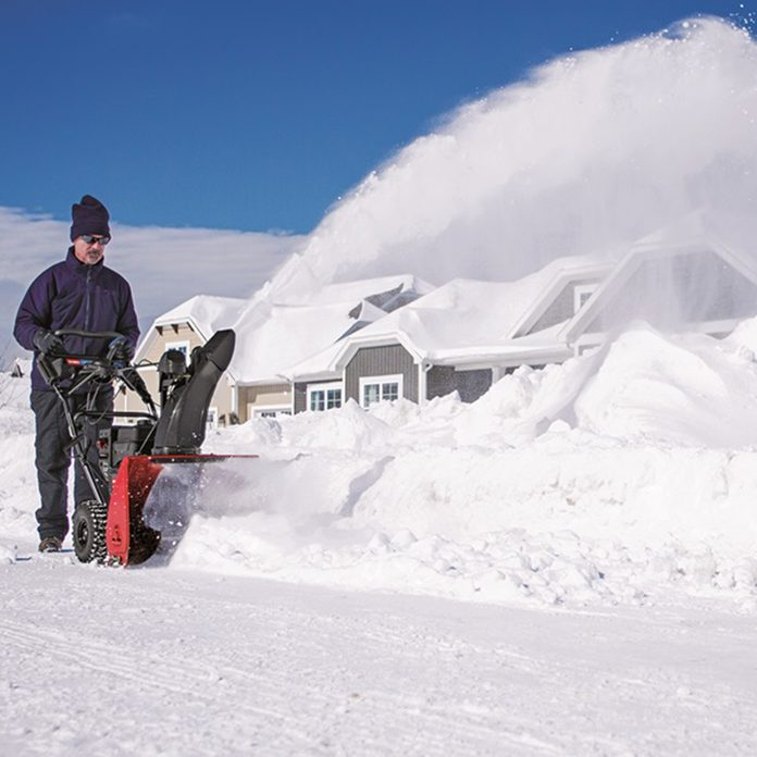 torosnowmaster-snowblower