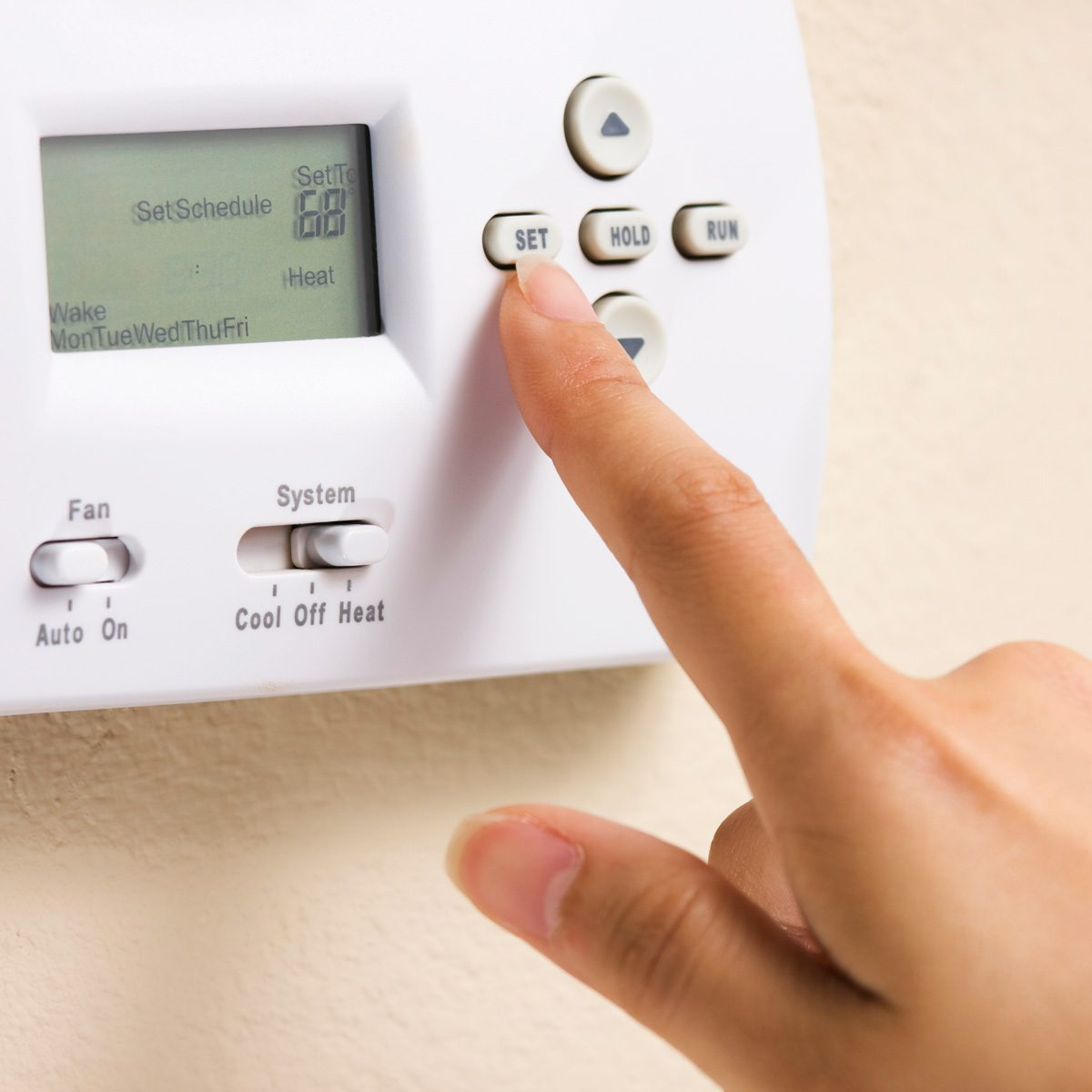 programmable thermostat Setting thermostat