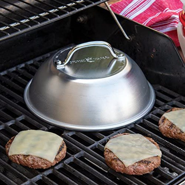 grilling burgers