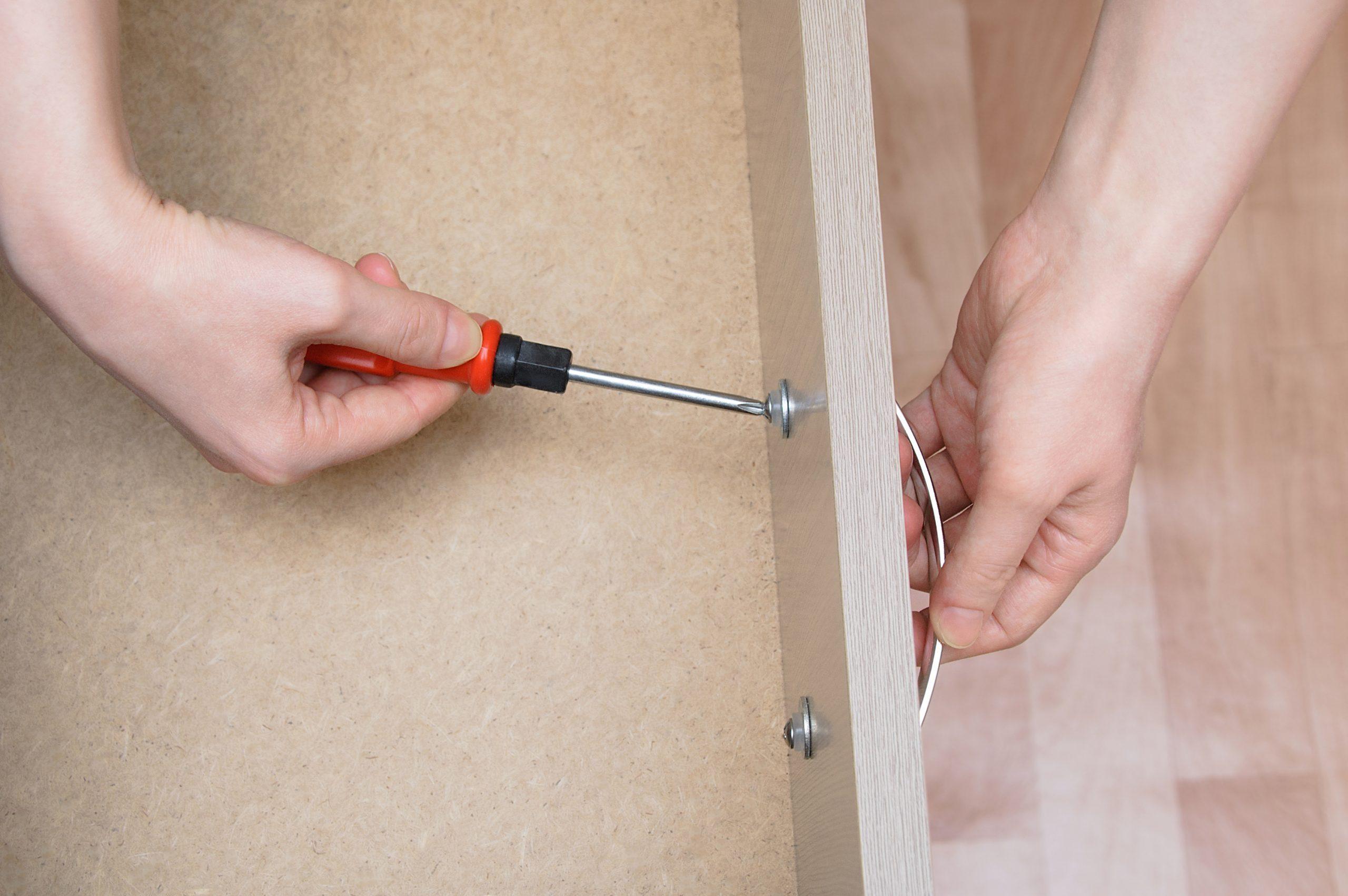 drawer hardware tightening