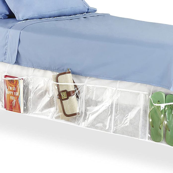 Bedskirt with pockets