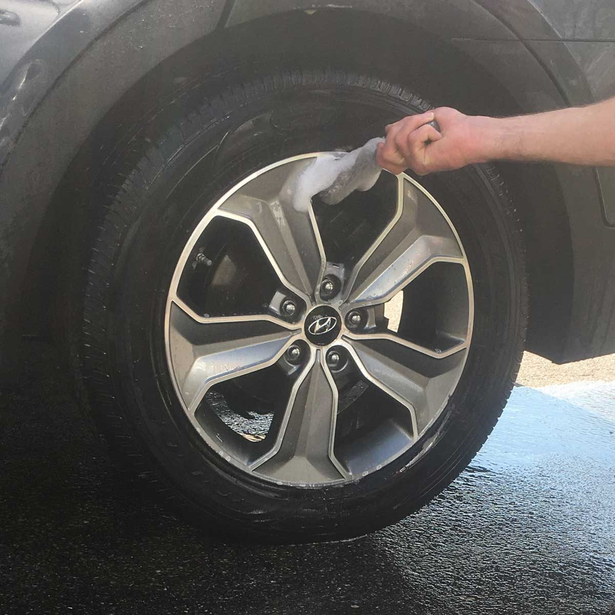 Cleaning tires